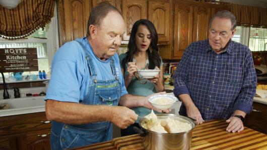 Huckabee Recipes: Hoyt Tidwell's Chicken and Dumplings on TBN